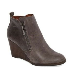 NWOB Lucky Brand Yahir Leather Wedge Bootie 9.5